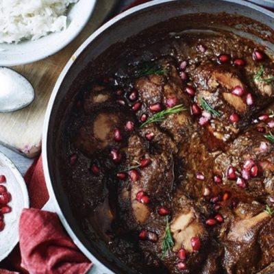Khoresh fesenjan - ragoût de poulet iranien aux noix et à la grenade