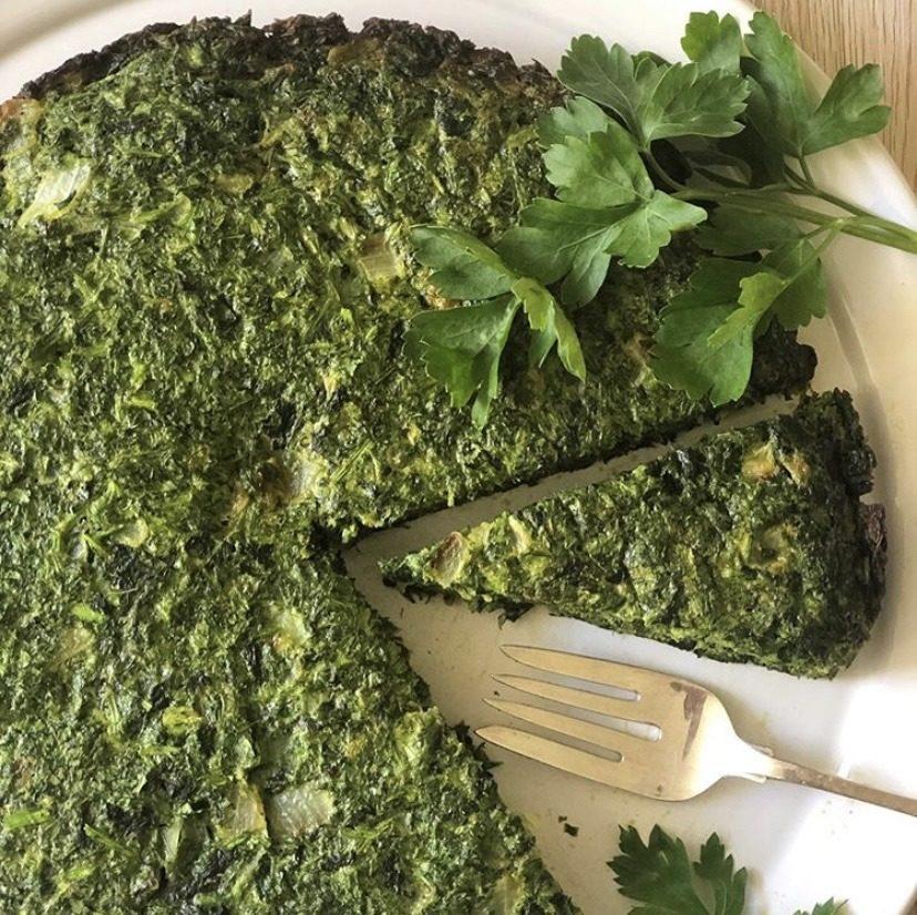Koukou Sabzi iranien - omelette aux herbes fraîches